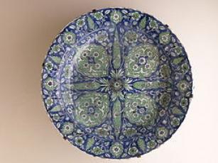 Cypress Tree Decorated Ottoman Pottery P1000592