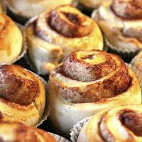 Cinnamon rolls, Valora Trade Sweden AB via Wikimedia commons.